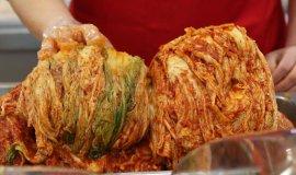 배추김치 빈자리에 국내산 깍두기 식당가, 중국산 김치 파동 여파