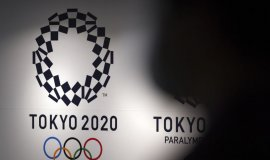 """도쿄 올림픽 결국 유관중? """"최대 1만명 수용 검토"""""""