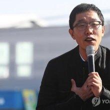 '굿모닝 FM' 김제동 하차…장성규도 거론됐으나 후임은 '최욱'