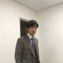 """이상엽, 드라마 '굿 캐스팅' 촬영 근황…""""매일 반해"""""""