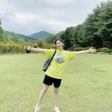 슬기, 다이어트 선언 후 뽐낸 얇은 팔·다리