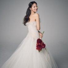 """배우 수현, 결혼 10개월 만에 득녀…""""she's perfect"""""""