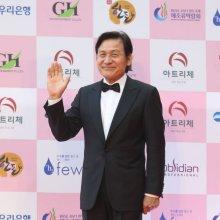 국민배우 안성기, 열흘 넘게 '입원 중'…예기치 못한 질환