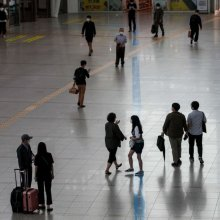 [포토]서울역 도착한 시민들