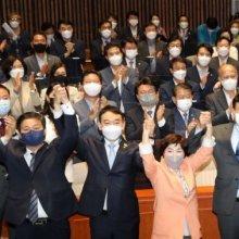 [포토] 이재명, 민주당 의원들과 공식 첫 만남
