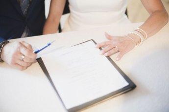 결혼 전 재산분할 합의서부터 작성하는 커플 늘어