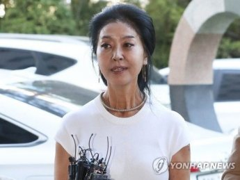 """""""거짓말·변명으로 일관…확 다 공개하고 싶어""""…김부선, 공지영 저격"""
