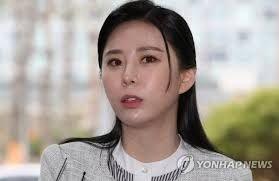"""윤지오 """"김수민 작가 주장 대응할 가치 없어…카톡 조작 된 것"""""""