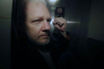 美법무부, 위키리크스 설립자 어산지 17개 혐의 추가 기소