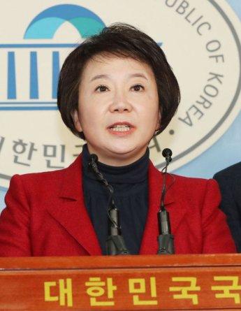 '최고위원 리스크'에 발목 잡힌 한국당