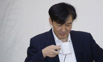 """조국 '반일 폭풍 페북'에 與서도 """"부적절""""…靑 """"공식입장 아냐""""(종합)"""