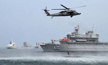 '큰더위' 대서 앞두고…해군 장병 '혹서기 생존훈련' 구슬땀