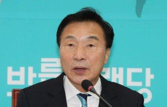 """손학규, 조국 진술 거부에…""""법무부 장관 명예 먹칠말라"""""""