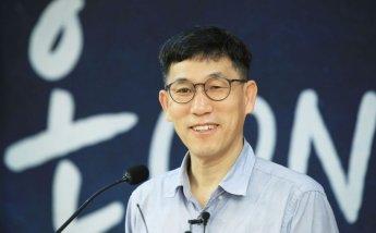 진중권 '기자회견' 발표 후 1분만에 취소…'중대결심', '생태탕집' 조롱