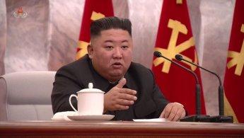 """트럼프, """"김정은 건강해"""" 뒷수습‥전문가들 """"친서 공개 악영향"""""""