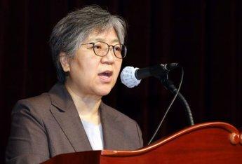 """""""정은경이 뭘 했다고 K-방역 영웅?""""…현직 의사 SNS 글 두고 논란"""