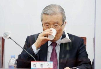 """[종합] """"영역다툼 하나"""" 김종인 '기호 2번 후보론'에 野 내홍"""