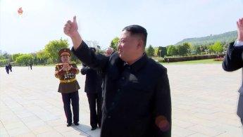 김정은, 한 달만에 공개활동…정치국 회의 열고 '3차 전원회의' 소집