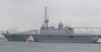 [디펜스기고]해군 또 하나의 대형수송함 보유