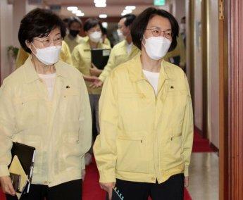 임혜숙 장관, 홈앤쇼핑 콜센터 방문…코로나 방역 점검