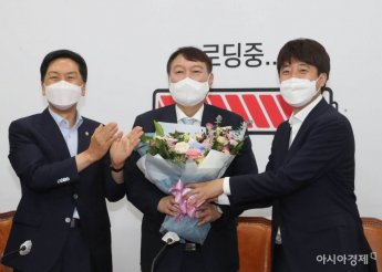 윤석열, 국민의힘 입당 후 세 모으기 나서…장제원·이용 영입