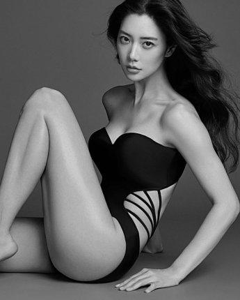 [포토] 클라라 '수영복도 군살 제로'