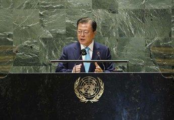 """文대통령 """"한국은 모든 나라가 코로나 위협 벗어나도록 함께하겠다"""""""