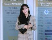"""[★공항패션]효민 '공항패션' 재킷스타일로 """"봄봄"""""""