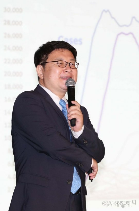 """홍춘욱 대표 """"강력한 디플레시대…하이일드회사채로 관심 넓혀야"""""""