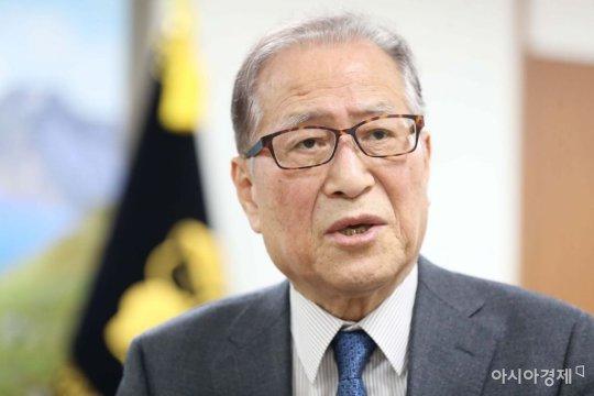 """정세현 前 장관 """"미국은 북한을 중국에게 빼앗기지 말라"""""""