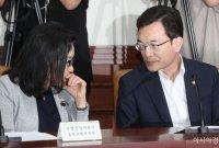 """조세영 외교차관 """"아베 발언, 과거사 문제로 인한 경제보복 인정"""""""