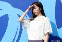 [포토]김연아, 뜨거운 햇빛에 입 삐쭉