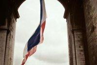 사진으로 만나는 파리 역사와 패션...'매그넘 인 파리'