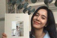"""정혜영, 책 '정혜영의 식탁' 셀프 홍보…션 """"책 나온 거 축하해"""""""