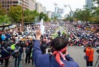 """국회 앞에 모인 택시기사 1만명 """"타다 영업, 연내 중단해야"""""""
