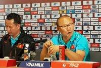 베트남 축구 '60년 꿈' 이룬 박항서호에 포상금 줄이어