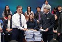文대통령 '총선 선물' 받을까, 여당 성적표 시선집중
