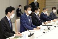 """아베, '코로나19 긴급사태' 선언…""""대인 접촉 줄일 것"""" 요구 (종합)"""
