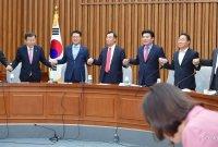 """한국당, 통합당과 합당 결정…""""준연동형 비례제 즉각 폐지해야"""""""