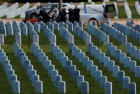 美 코로나 10만명 넘었다...한국전쟁 전사자보다 많아