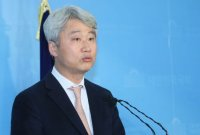 """김근식 """"'조로남불' 조국, 쫌스럽다…공산주의자 발언도 오바"""""""