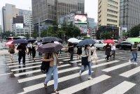 오늘 입추…전국 흐리고 돌풍 동반한 비