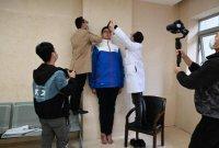 '세계에서 가장 큰 청소년' 중국 14살 중학생, 키 2m21cm