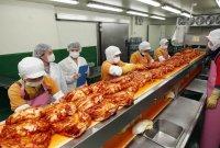 중국에서 김치 수입해 돈 번 한국?