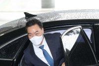 김오수, 퇴임 후 법무법인서 월 최대 2900만원 급여 받아