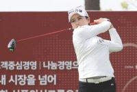 지한솔의 우승 진군 '2타 차 선두'…박현경과 최혜진 공동 9위