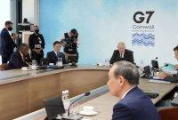 """靑 """"G7→D11 확대 논의나 제안 없었다…文·스가 2번 인사 나눠"""""""
