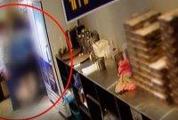"""주방 들어가 종업원 '더듬'은 못된 손…""""CCTV에 딱 걸렸다"""""""