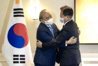 """文대통령 """"한국기업, 바이오·의약품 베트남 진출 희망"""""""