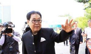 """""""나이먹고 한심""""…윤여정 언급한 조영남에 쏟아진 비난"""